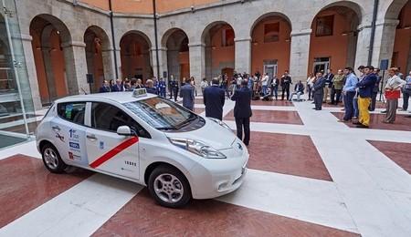Nissan Leaf Primer Taxi Madrid