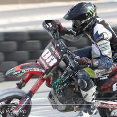 Foto 33 de 63 de la galería albaida-despide-el-campeonato-de-espana-de-supermotard-2011 en Motorpasion Moto