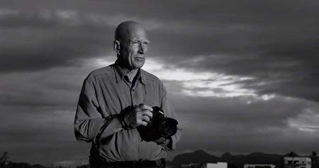 Aprender de grandes fotógrafos como Sebastião Salgado, Robert Frank o Annie Leibovitz: llámalo ver documentales o clase magistral