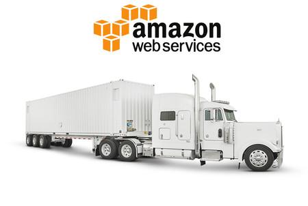 Lo último de Amazon es un camión para llevar tus datos hasta su nube: Snowmobile no es una broma