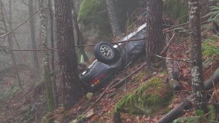 Así han encontrado en un bosque de Oregón este Porsche 924 de 1979, robado hace 27 años