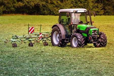 Los falsos autónomos no van solo sobre bicicletas, también se dan en el sector agrario