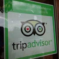 En TripAdvisor hay una forma de resaltar los comentarios positivos sobre los negativos: pagando