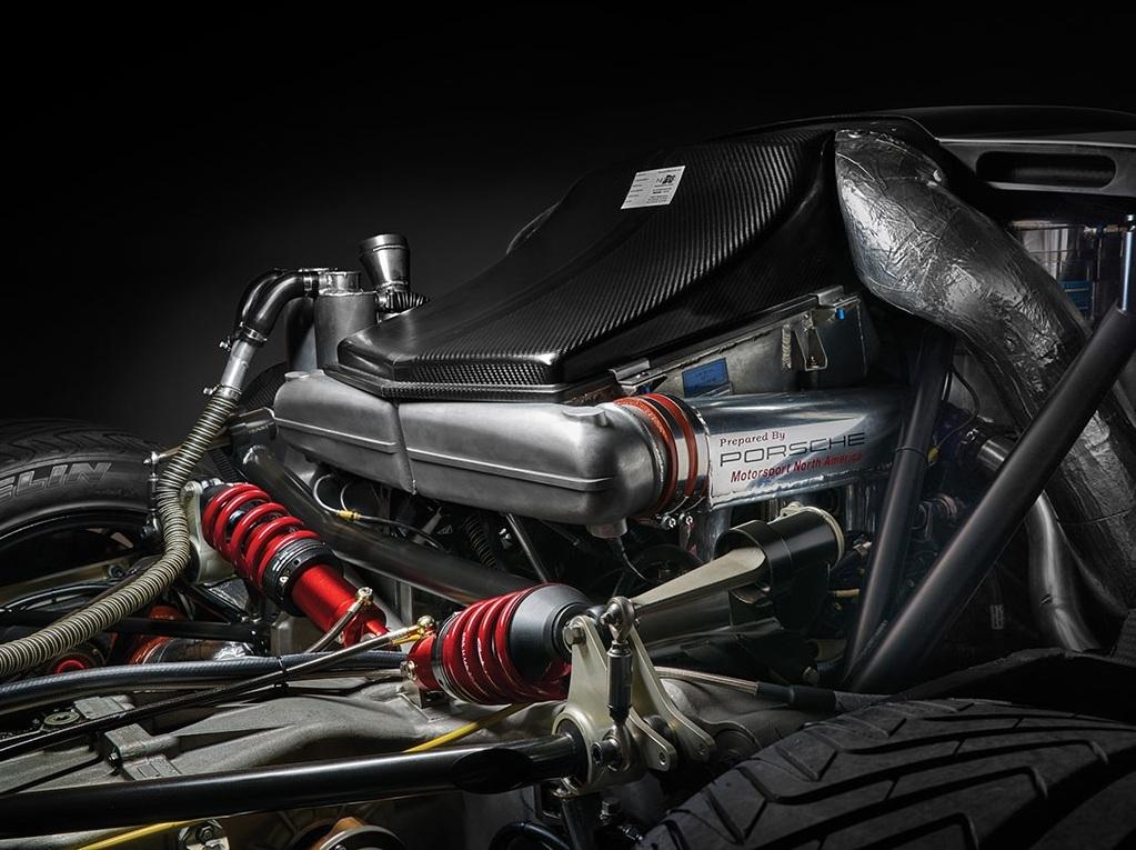 Foto de Porsche 911 GT1 Evolution (1/25)