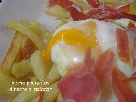 Receta de huevos rotos con jamón en virutas