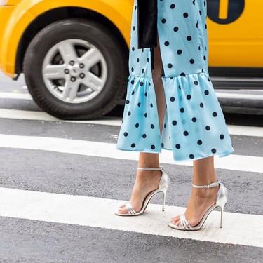 De boda, para la ciudad o para la playa: las sandalias plateadas resolverán todos tus looks de verano