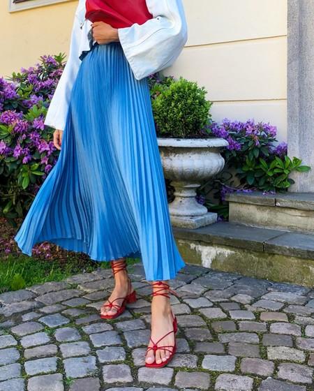 Faldas plisadas: cómo llevarlas como una pro según el street style