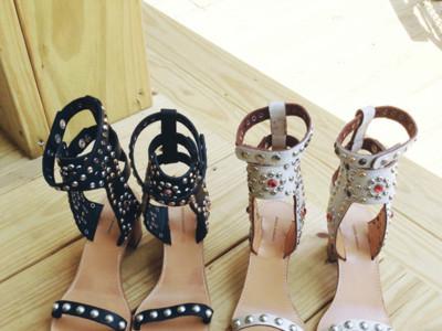 ¿Por qué las famosísimas sandalias Carol de Isabel Marant sientan tan mal?