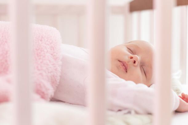 Bebé de 7 meses que se despierta por la noche para comer