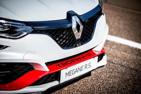 Renault Megane R S Trophy R 2019 002