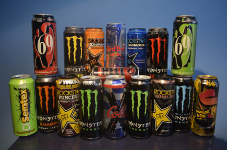 Estudio revela que las bebidas energéticas aumentan la hiperactividad en niños de secundaria