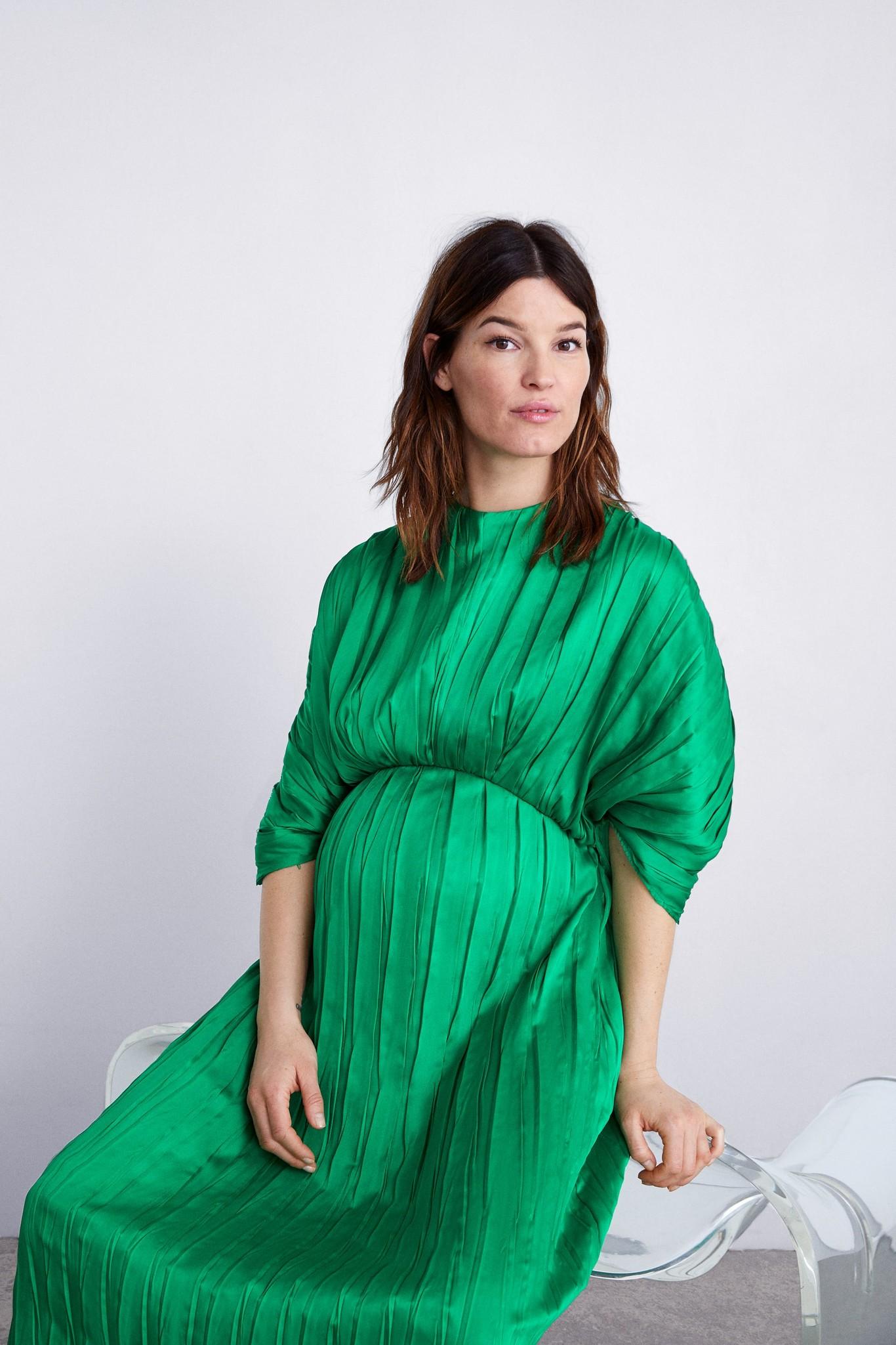 c273895da 9 looks premamá de Zara que nos enseña la instagramer Hanneli Mustaparta y  que también puedes lucir sin estar embarazada