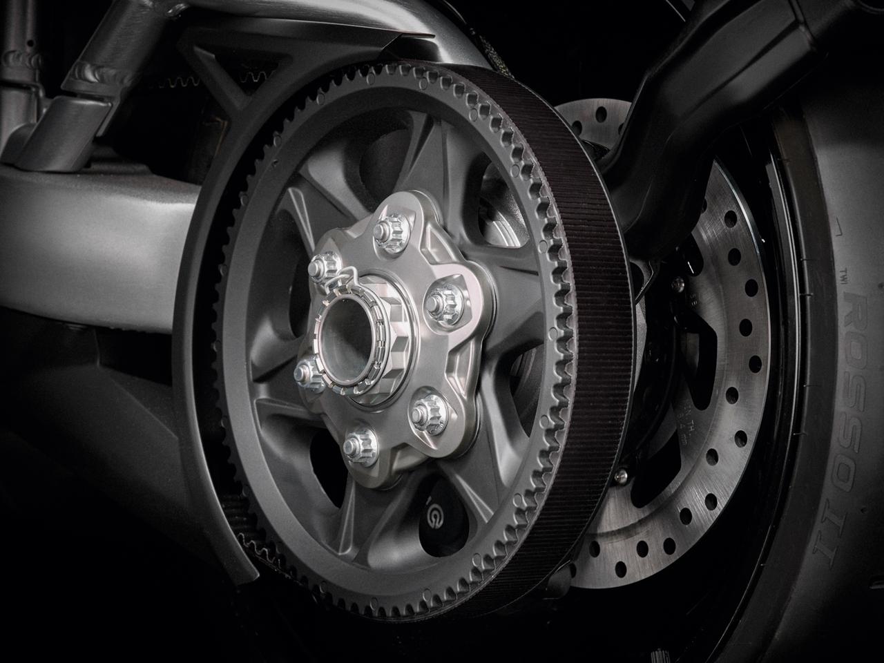 Foto de Ducati Diavel X (18/29)