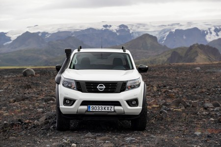 Nissan Navara Off Roader At32 1