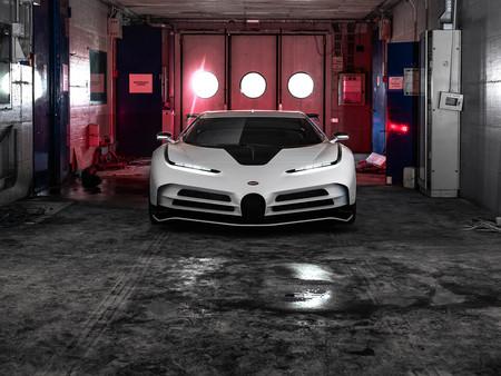 El Bugatti Centodieci debuta en Pebble Beach con 1.600 CV, un 0 a 100 km/h en 2,6 s y 8 millones de euros la unidad