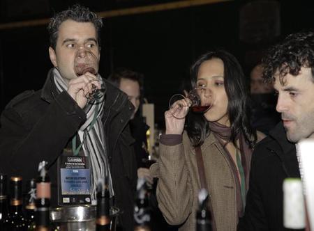 Catando vinos en el II Salón de las Estrellas de Guía Peñín