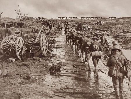 Infanteria De Camino Al Frente