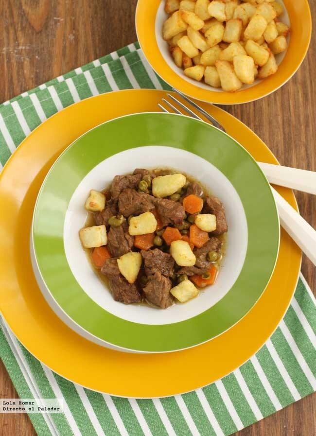Ternera con guisantes y zanahorias
