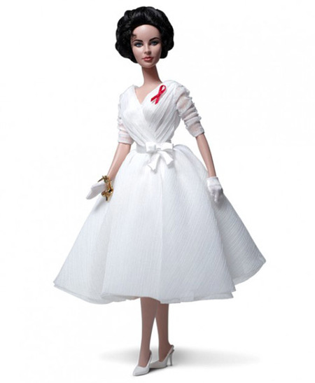 "La ""Elizabeth Talylor White Diamonds Barbie Doll"", para mitómanos"