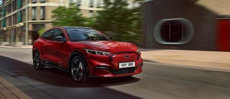 Ford actualizará sus autos como si fueran smartphones: actualizaciones vía OTA para agregarles funciones y darles mantenimiento