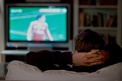 Mirar televisión incrementa el riesgo cardíaco en jóvenes