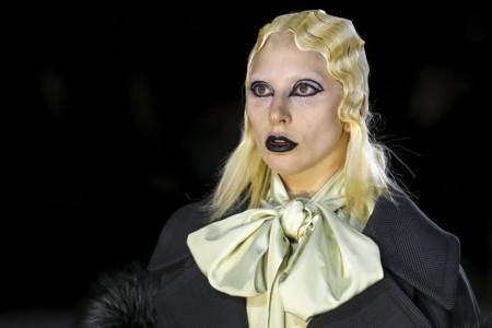 La versión más punk de Marc Jacobs sube a Lady Gaga a la pasarela