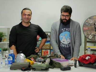 Estar siempre preparado en caso de catástrofe: así son las mochilas de los Preppers para sobrevivir 72 horas