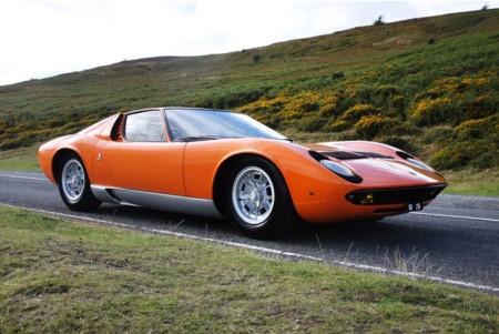 Puedes recrear la escena de apertura de 'The Italian Job' con el Lamborghini Miura original