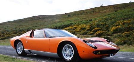 Puedes recrear la escena de apertura de The Italian Job con el Lamborghini Miura original