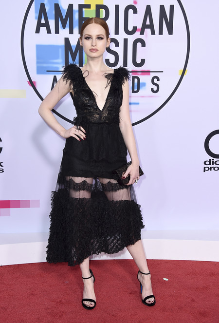 mejor vestidas american music awards 2017 madelaine petsch