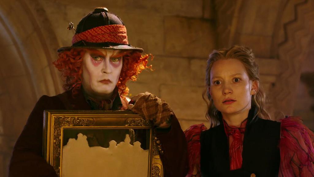 Johnny Depp Mia Wasikowska Alicia A Traves Del Espejo