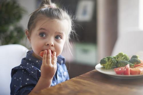 Nueve consejos para lograr que los niños coman de todo
