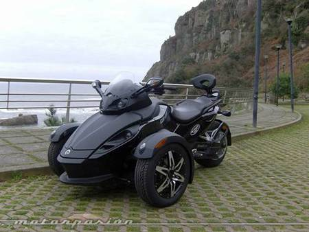 Can-Am Spyder, el concepto Y