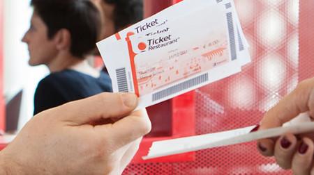 Novedades fiscales del nuevo año: el mínimo exento de los tickets restaurante subirá a 11 euros