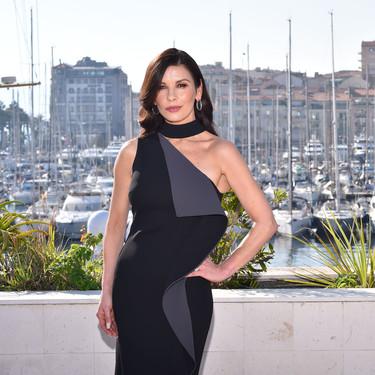 Catherine Zeta-Jones demuestra que el glamour y la elegancia mejoran con la edad