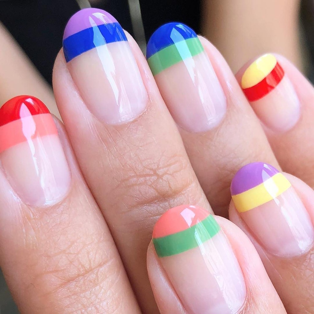 Muestra tu orgullo con estas 19 manicuras multicolor (cargadas de mucho amor)