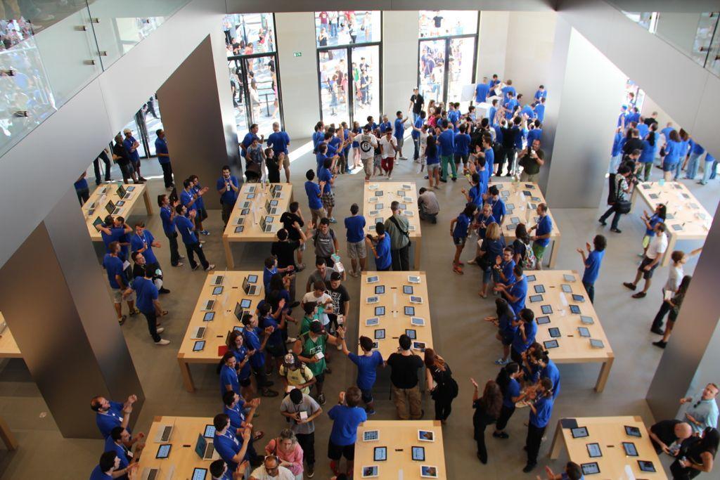 Foto de Inauguración de la Apple Store del paseo de Gracia (21/27)
