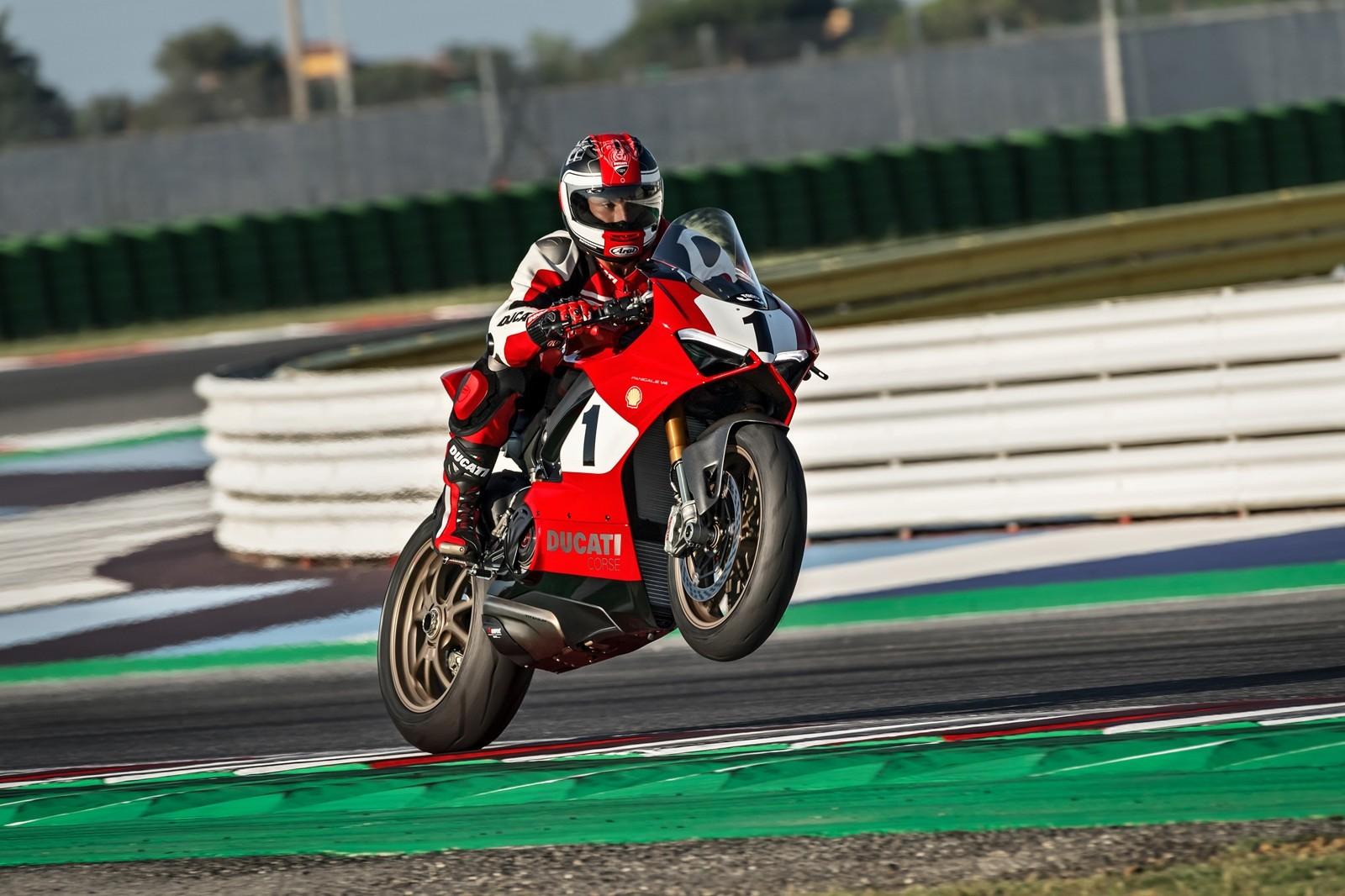 Foto de Ducati Panigale V4 25° Anniversario 916 (9/73)