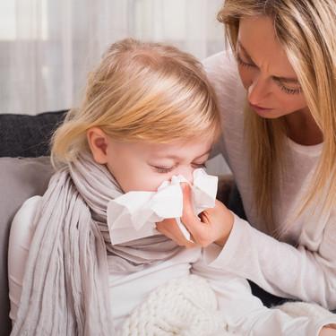 Síntomas de Covid en niños: fiebre, tos y dolor corporal son más habituales que cuando tienen gripe