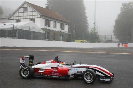 Roberto Merhi se queda a un punto del título del FIA Formula 3 Trophy en Spa