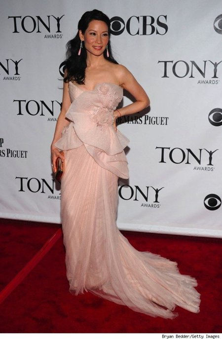 Todas las asistentes a los Tony Awards 2010: Lucy Liu