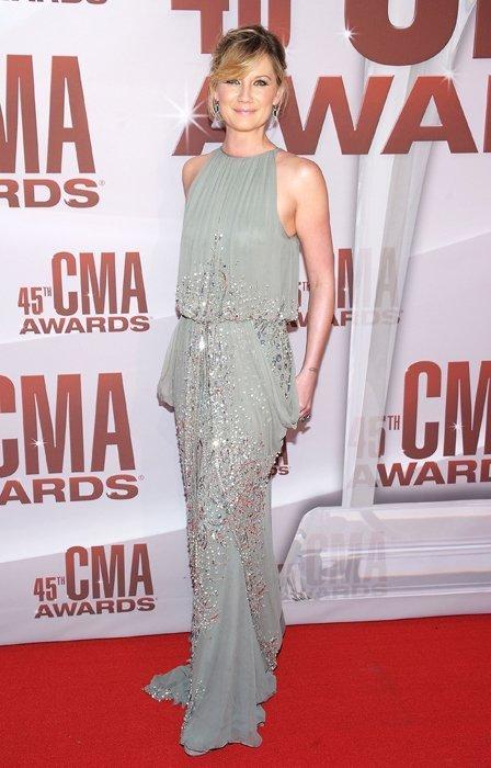 jennifer-nettles-cma-awards-20111.jpg