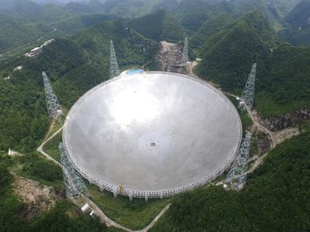 China en busca de vida extraterrestre: el gigantesco telescopio FAST buscará señales a partir de septiembre