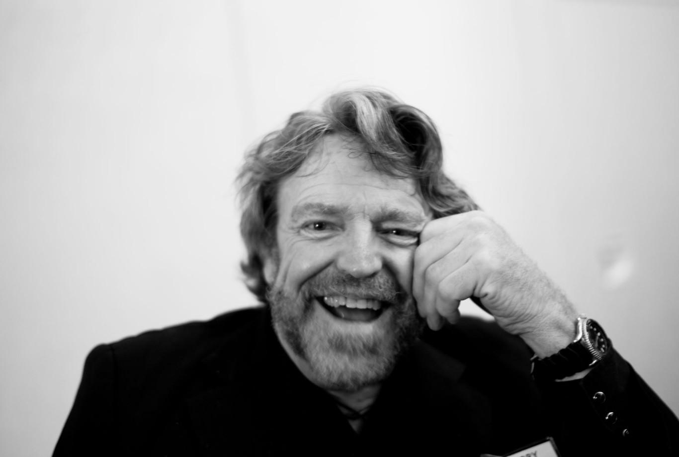 Muere John Perry Barlow, el hombre que siempre creyó en la revolución positiva de internet