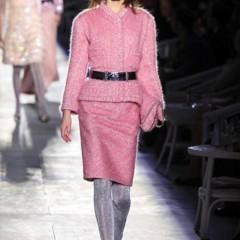 Foto 17 de 61 de la galería chanel-alta-costura-otono-invierno-2012-2013-rosa-gris-brillos-y-nuevo-vintage en Trendencias