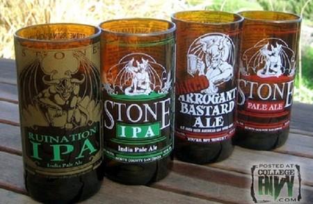 Fabrica tus propios vasos con botellas de cerveza vacías