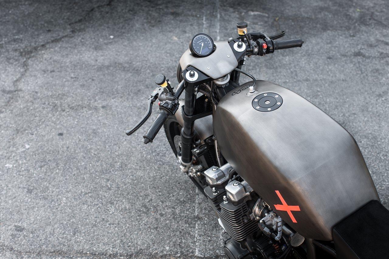 Foto de Yamaha XJR 1300 Projecto X por Deus Ex Machina Italia (23/27)