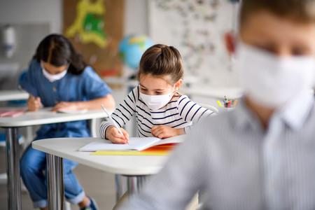 Las mejores mascarillas para niños: cómo deben ser, cómo usarlas y guardarlas
