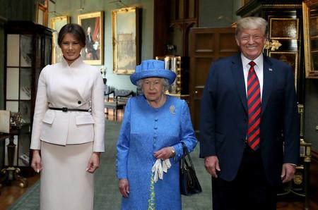 El look de Melania Trump para tomar té con la reina Isabel II