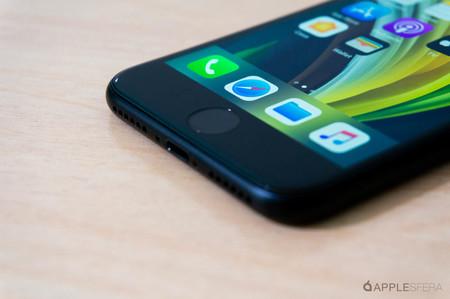 El iPhone SE tiene algunos componentes intercambiables con el iPhone 8, según iFixit